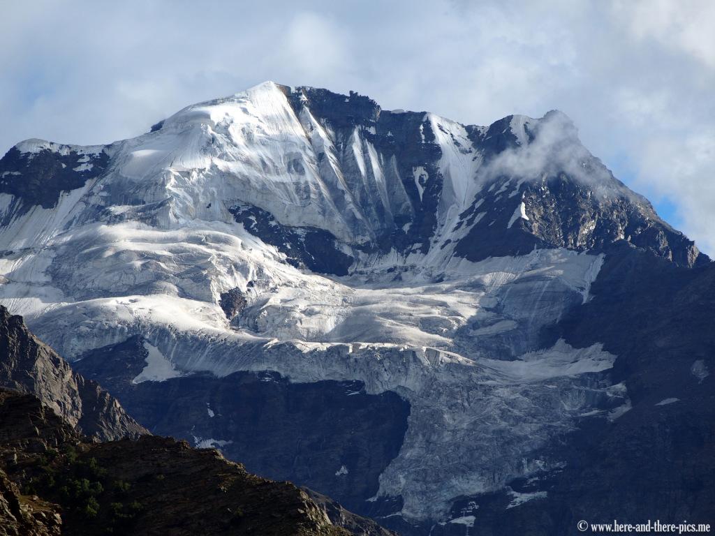 Glacier near Jispa village, road from Manali to leh
