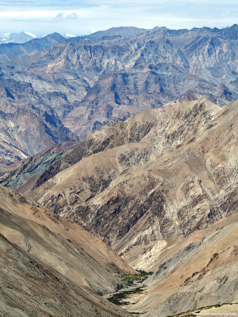 View from the Ganda la (4980m)
